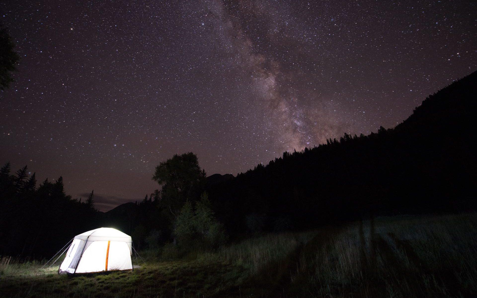 På äventyr i natten